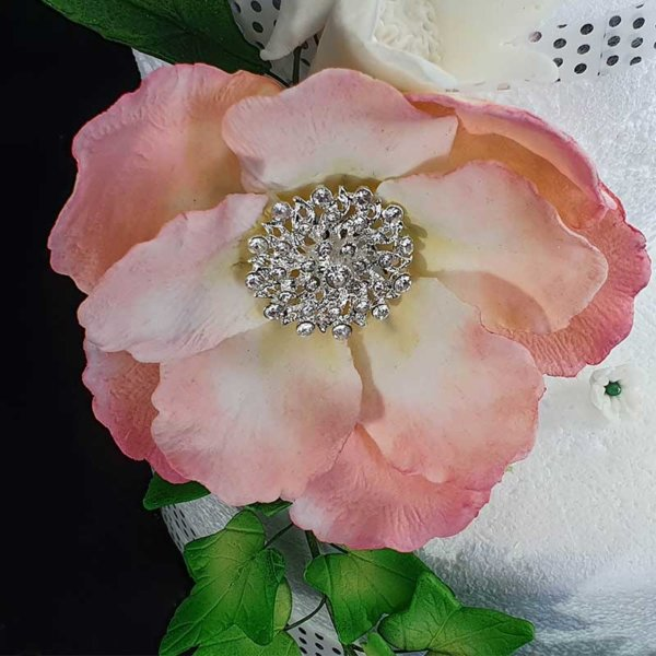 Edible Cake Toppers | Wedding Cake Toppers NZ | Shop Online for Gumpaste Icing Sugar Flower Bunches | The Rose Factory - New Zealand